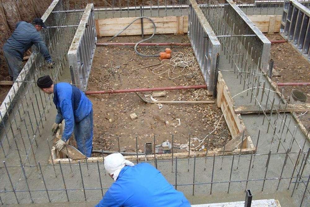Работа по бетону забор бетон форма